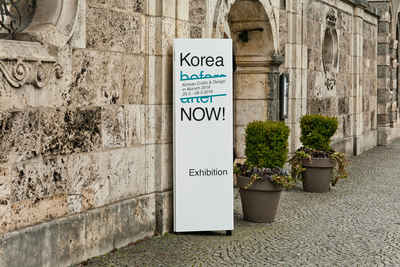 Exhibition label design for Korean crafts and design exhibition, Korea Now! at the Bavarian National Museum